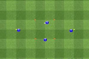 Ejercicio de técnica, cuatro jugadores y un balón forma de romboide