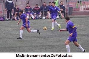 partido de fútbol, ataque